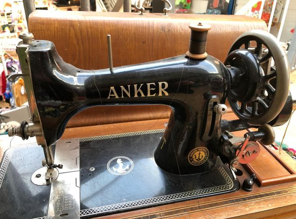"Authentieke ""Anker"" Naaimachine"